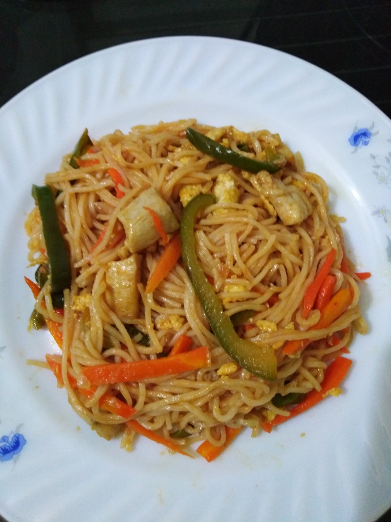 Chicken chowmein from Pach4on