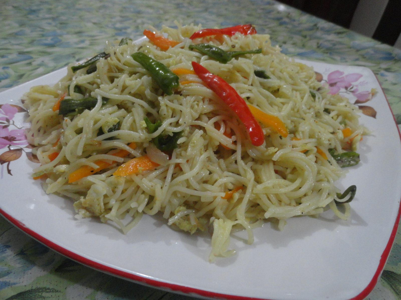 Chicken Vegetable Noodles from Mom's Dine