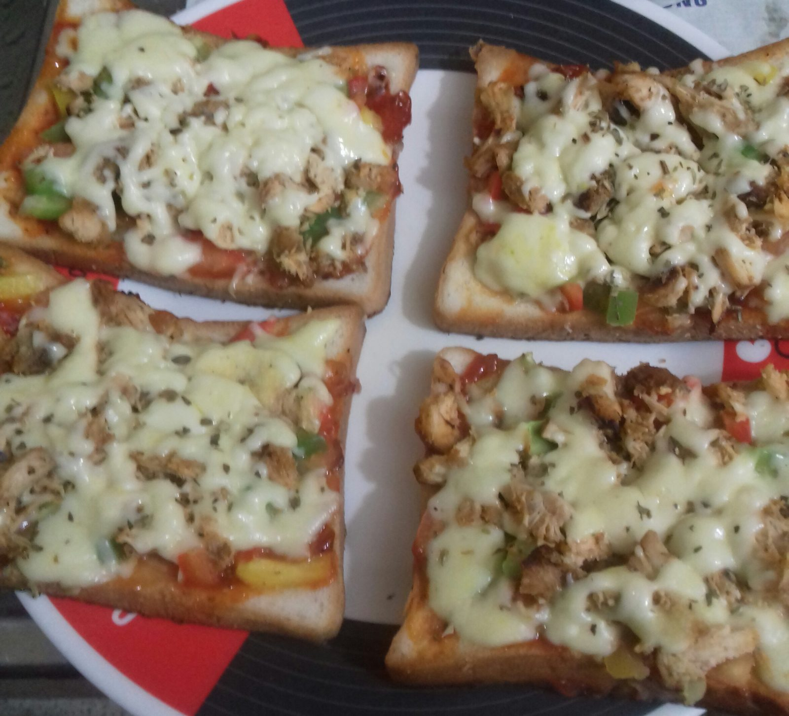 Bread Pizza from Juthemoni's Kitchen
