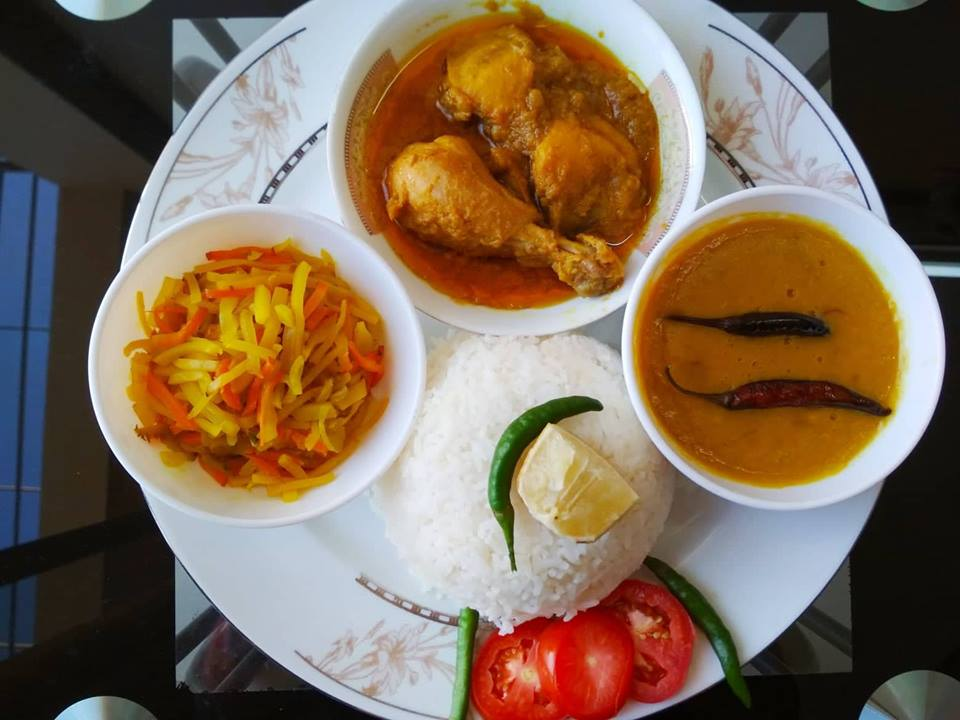 Chicken Jhal Fry, Ghono Dal, Mixed Vegetable, Plain Rice with Salad