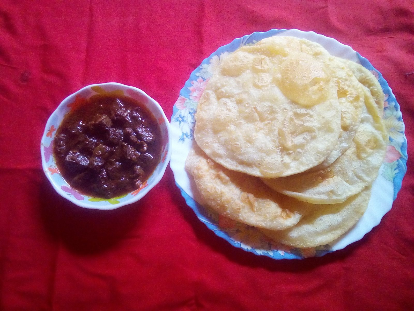 Kolija Vuna with Luchi from Sompurna Rannaghor