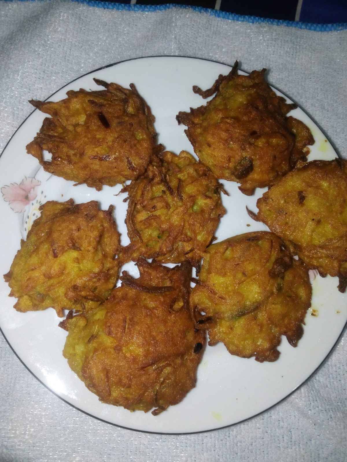 Potato Egg Pakura from Naher Kitchen