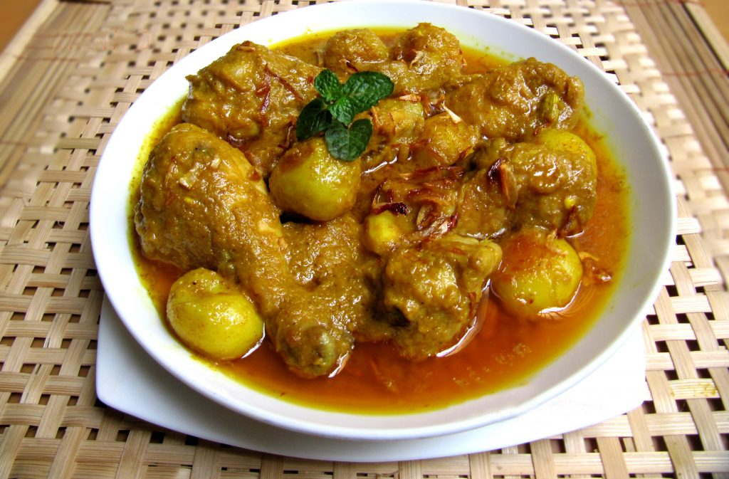 Chicken Curry with Potato - 1/2 KG from Bhojon Rosik