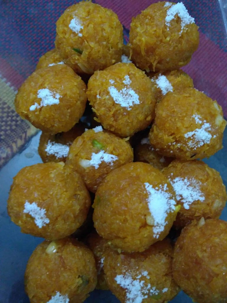Narkeler Naru(ladoo) from Prapti's Kitchen