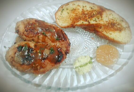 Chicken Steak with Garlic Bread from Sadia's Kitchen