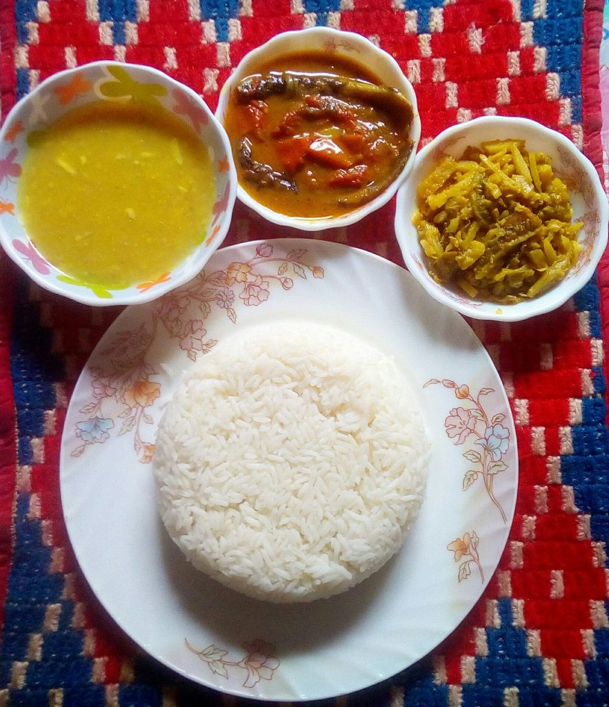Lunch Set 1 ( korola vaji,shing mach,Daal) from Sompurna Rannaghor