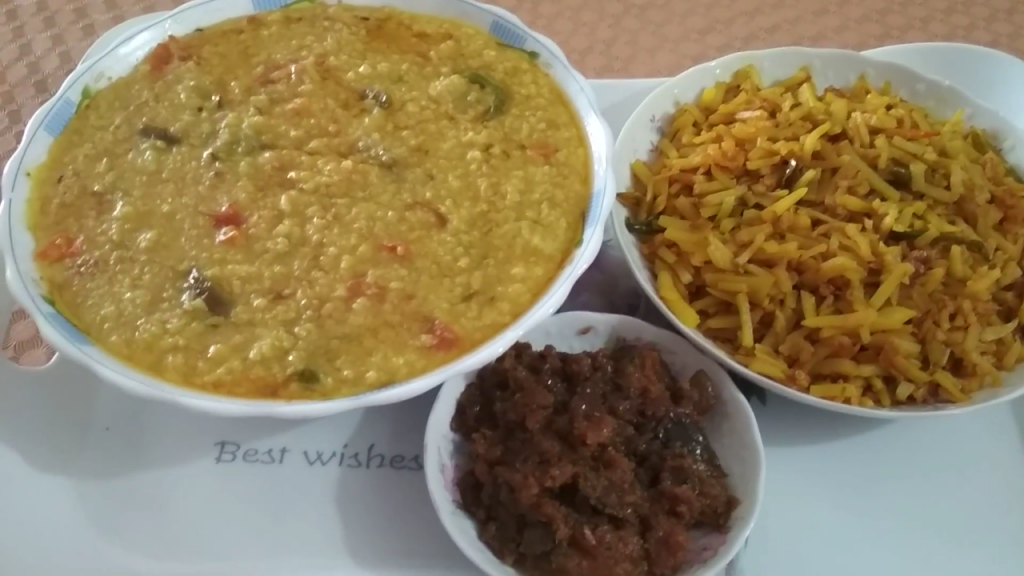 Mixed Vegetable Norom Khichuri, with Aloo Bhaji and Jolpai er Achar