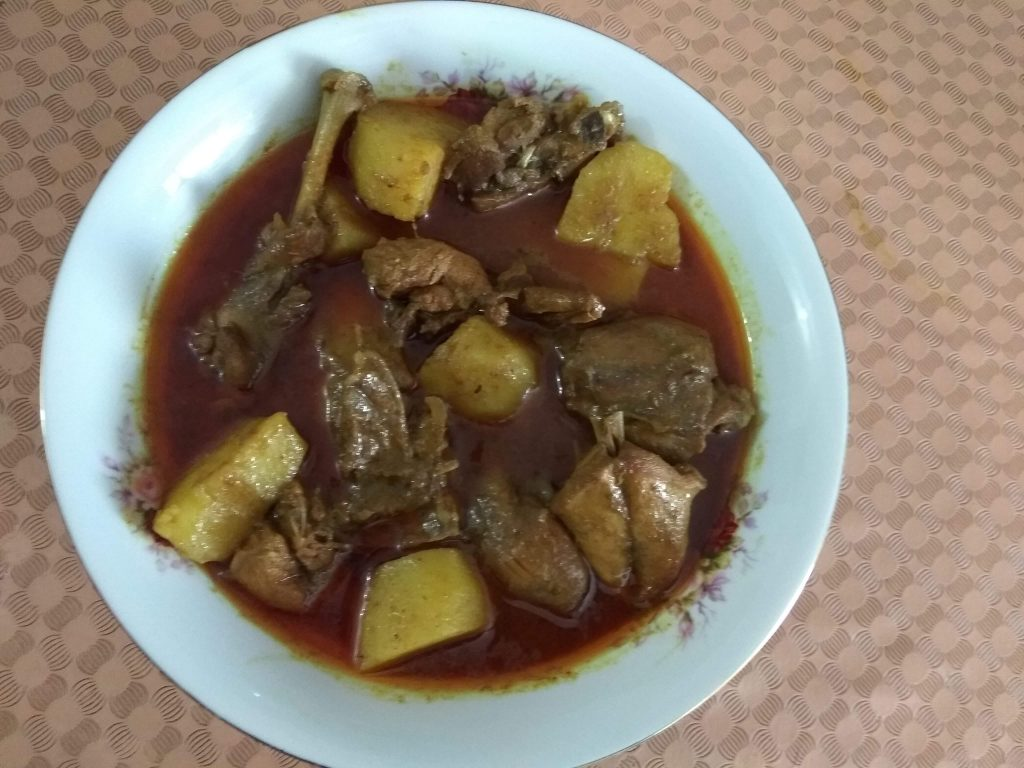 Deshi Murgi o Aloo'r Jhol from Dipti's Cookhouse