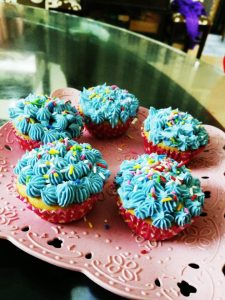 Zaara's Blue Cup Cake from Easy Peasy