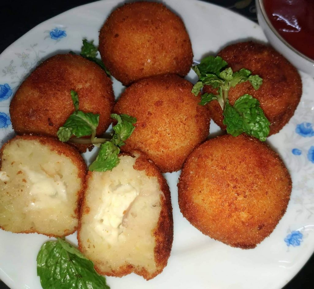 Potato Chicken Cheese Ball from Mohima's Kitchen
